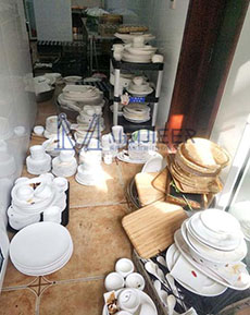 食堂洗碗间后厨情况