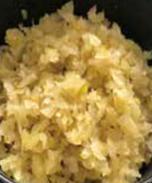 火锅店用切菜机制作榨菜末