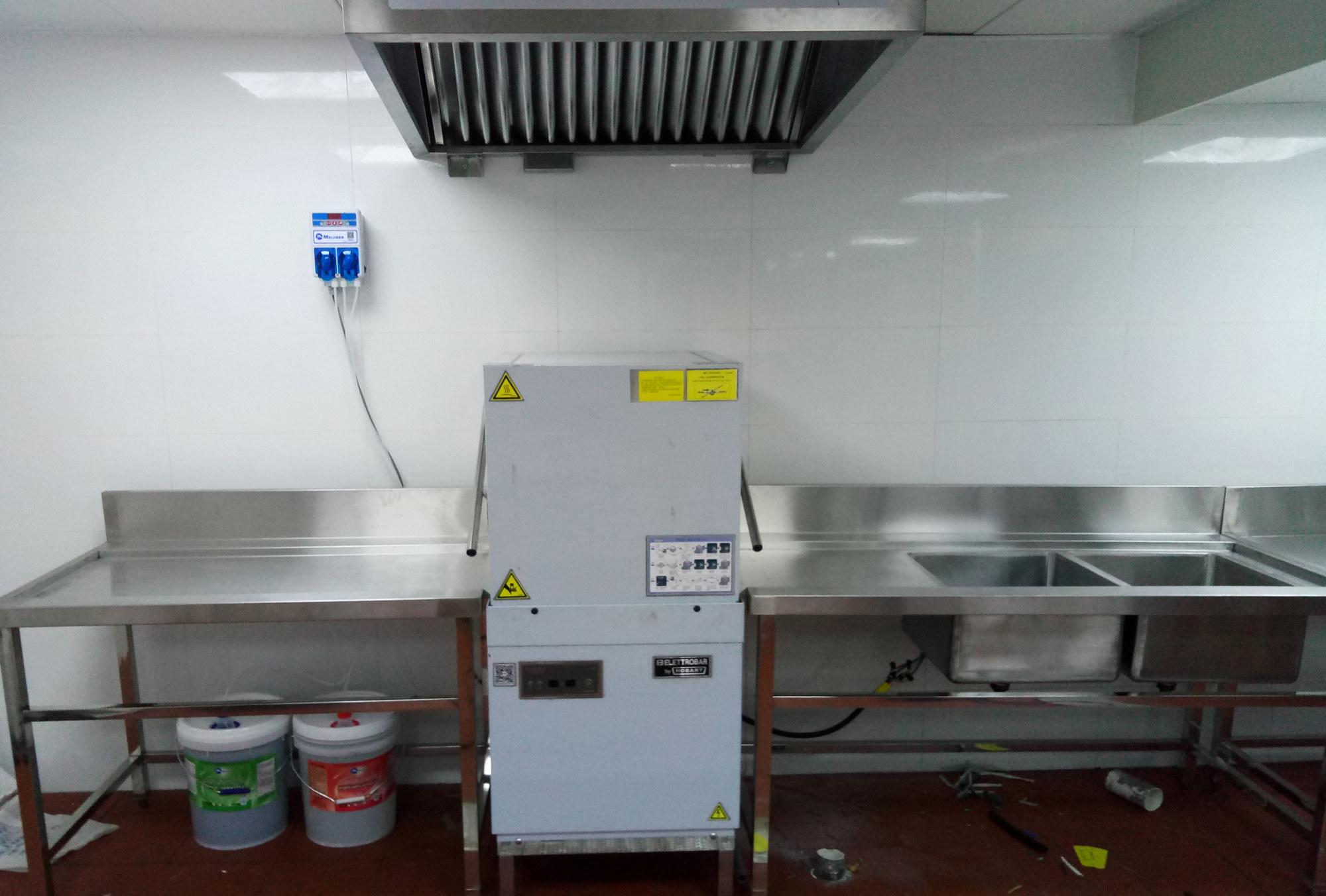 美洁尔餐饮店洗碗机